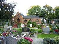 Evangelisch-lutherischer Friedhof mit Kapelle in Hamburg-Billstedt (Kirchsteinbek).jpg