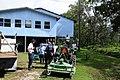 FEMA - 37972 - FEMA US&R team talks to a family in Louisiana.jpg