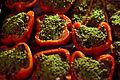 Farseret peberfrugt med oksekød, gorgonzola og oliven (5346968502).jpg