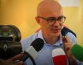 Federico D'Incà, Ministro per i Rapporti con il Parlamento durante un'intervista.png