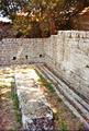 Fiesole - Archäologische Zone - Latrine am Frigidarium, 2019.png