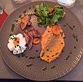 Filet de canette avec œuf et purée de carottes, restaurant Lello (Lyon, 2019).jpg