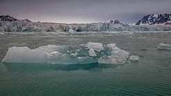 Fjortende Julibreen at Krossfjord, Svalbard.jpg