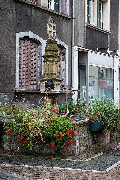 Fontaine 38 rue Poincaré à Saint-Avold