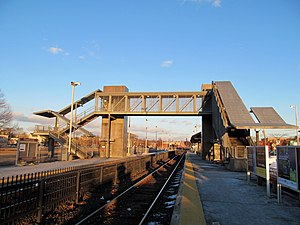 Framingham Railroad Station - Modern station platforms and pedestrian bridge, opened in 2001