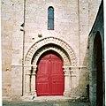 France 86 - Chauvigny - dor an iliz 01a.jpg