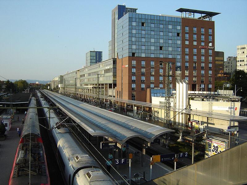 Freiburg Hauptbahnhof.JPG