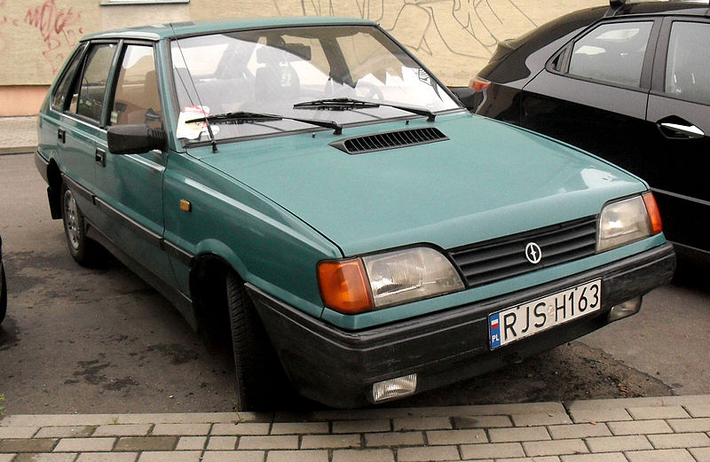 File:Fso polonez caro mr91 jaslo.jpg - Wikimedia Commons
