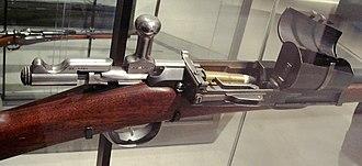 Fusil Gras mle 1874 - Image: Fusil Gras M80 Mle 1874 with 10 cartridge magazine 1883