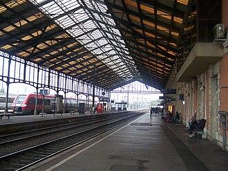 Gare de Narbonne - Image: Gare de Narbonne (quais)
