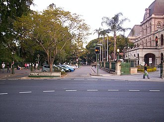 Gardens Point, Brisbane - Image: George Street entrance to the QUT