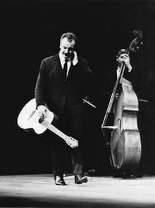 220px-Georges_Brassens_%281964%29_by_Erl
