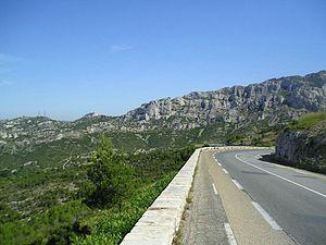 Français : descente du col de la Gineste vers ...