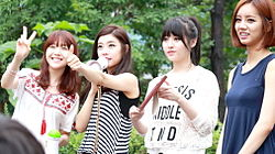 Girl's day at a fan meeting on July 7, 2013 (2).jpg