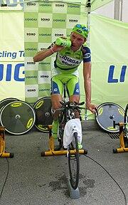 Ivan Basso alla crono a squadre inaugurale del Giro 2009.