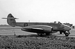 Gloster Meteor F.4 VT340 Fairey Ringway 21.07.55 edited-2