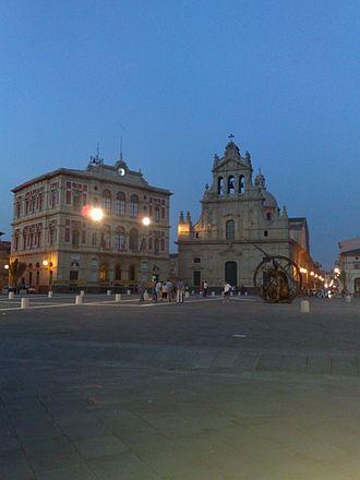 Grammichele - Image: Grammichele Piazza