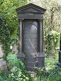 Gustav von Grünebaum grave, Vienna, 2018.jpg