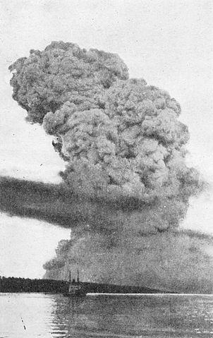 Halifax explosion blast cloud