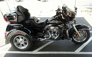 Harley davidson fl wikivisually harley davidson tri glide ultra classic image harley davidson tri glide taken 2013 fandeluxe Choice Image