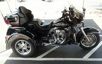 Harley-Davidson Tri Glide Ultra Classic - Image: Harley Davidson Tri Glide taken 2013