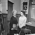 Het vijfde slachtoffer TV-stuk, scene links Enny Meunier en rechts Liane Saalbor, Bestanddeelnr 918-6237.jpg