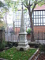 Highgate Cemetery 023.jpg