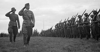 Adolf Ehrnrooth - Adolf Ehrnrooth inspecting troops only a few days before Soviet mass offensive in the summer of 1944.