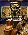 Historische Tonkrüge im Museum auf der Wartburg.jpg