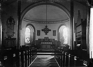 Holy table and chancel of Dolgellau church