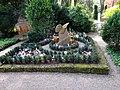 I. Heidelberg Grabanlage Ruhestätte für Kinder die zu klein oder zu krank waren um mit uns zu leben auf dem Heidelberger Bergfriedhof.JPG