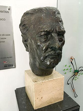 Vital Brazil - Bust of Vital Brazil in Instituto Butantan