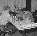 Interzone schaaktoernooi te Amsterdam Boris Spasski (SU, links) tegen Pal Benk…, Bestanddeelnr 916-5163.jpg