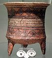 Iran, luristan, piccolo vaso tripode della cultura di tepe giyan, 2500-1500 ac. ca.JPG