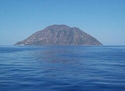 Isola Alicudi by Figiu