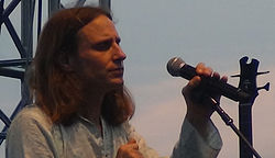 Jon Davison performing at the Art Park in Lowiston, New York on July 17, 2012.jpg