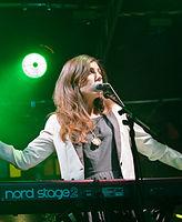 Julia Holter und Band (Haldern Pop 2013) IMGP2433 smial wp.jpg