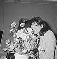 Juliette Greco in het Amstelstation, Bestanddeelnr 913-4434.jpg
