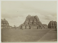 KITLV 19631 - Kassian Céphas - The three main temples of Prambanan Tjandi - 1897.tif