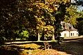 Kapłanka- sklepik z pamiątkami przed wejściem do zamku - panoramio.jpg