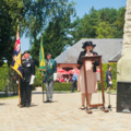 Karen Bradley MP lays a wreath at the Ulster Tower (28367331267).png
