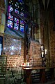 Katedra jana chrzciciela krzyz i witraz.jpg
