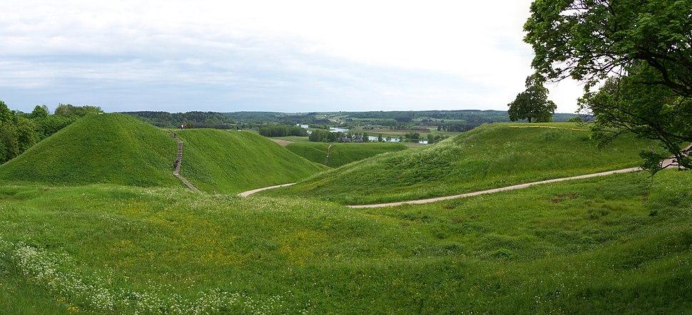 Kernavė - Hill forts 01
