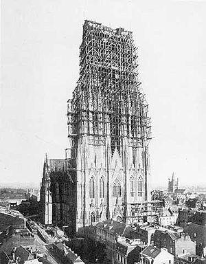 Zentral-Dombauverein zu Köln von 1842 - Image: Kolner Dom kurz vor der Fertigstellung 1880