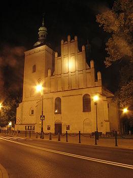 Polski: Kościół Matki Bożej Zwycięskiej nocą.