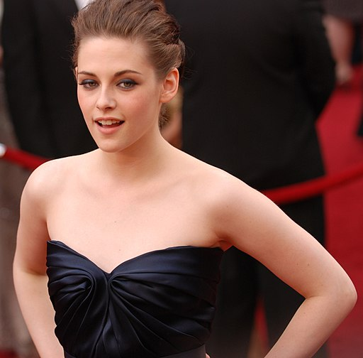 Kristen Stewart @ 2010 Academy Awards (cropped)