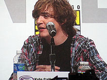 Kyle Gallner at WonderCon 2010 1.JPG