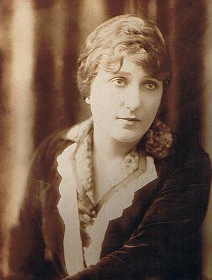 Léontine Massart 1914