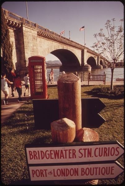 https://upload.wikimedia.org/wikipedia/commons/thumb/3/37/LONDON_BRIDGE-PRIDE_OF_LAKE_HAVASU_CITY_SINCE_1971-IS_A_POPULAR_TOURIST_ATTRACTION_-_NARA_-_549091.tif/lossy-page1-403px-LONDON_BRIDGE-PRIDE_OF_LAKE_HAVASU_CITY_SINCE_1971-IS_A_POPULAR_TOURIST_ATTRACTION_-_NARA_-_549091.tif.jpg