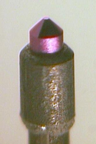 Lanthanum hexaboride - A lanthanum hexaboride hot cathode.
